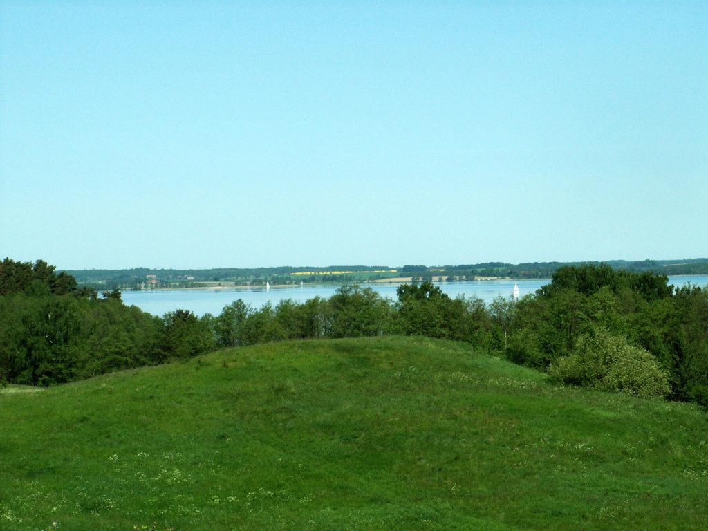 Jezioro Dobskie z grodziska w Dziewiszewie