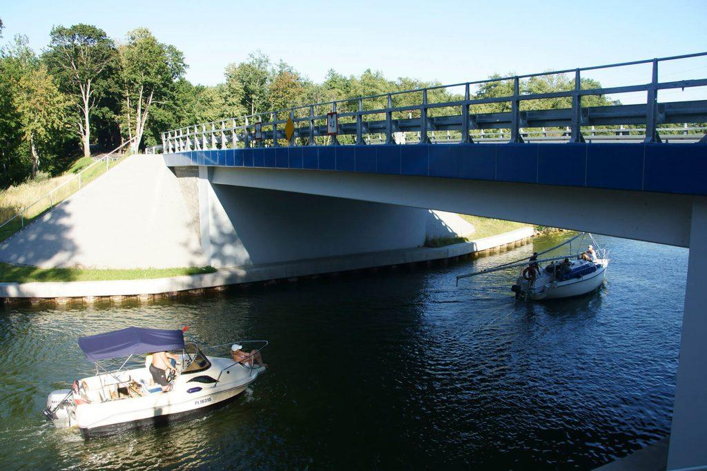 Most drogowy na kanale Piękna Góra