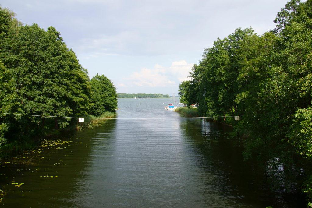 Ujście Kanału Mazurskiego z jeziora Mamry