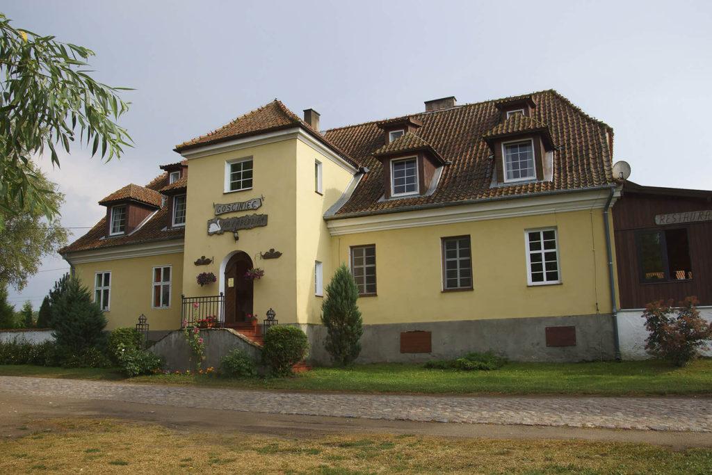 XIX-wieczny dwór w Łuknajnie