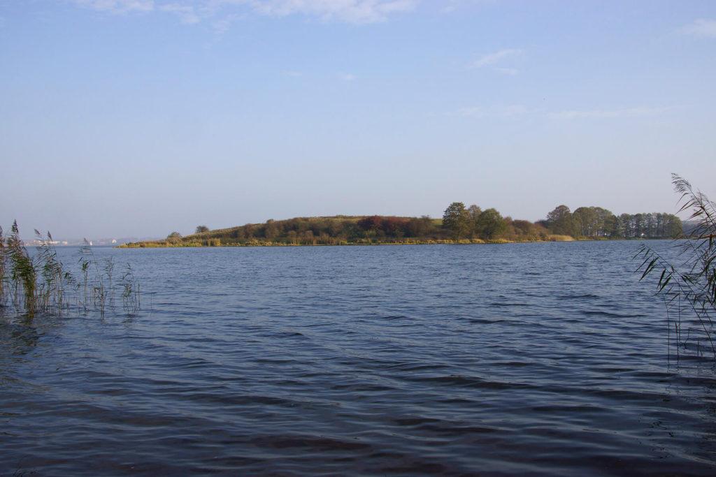 Duża Wyspa na Jeziorze Ryńskim