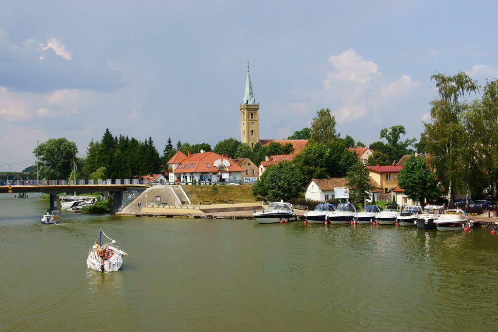 Wieża kościoła ewangelickiego w Mikołajkach