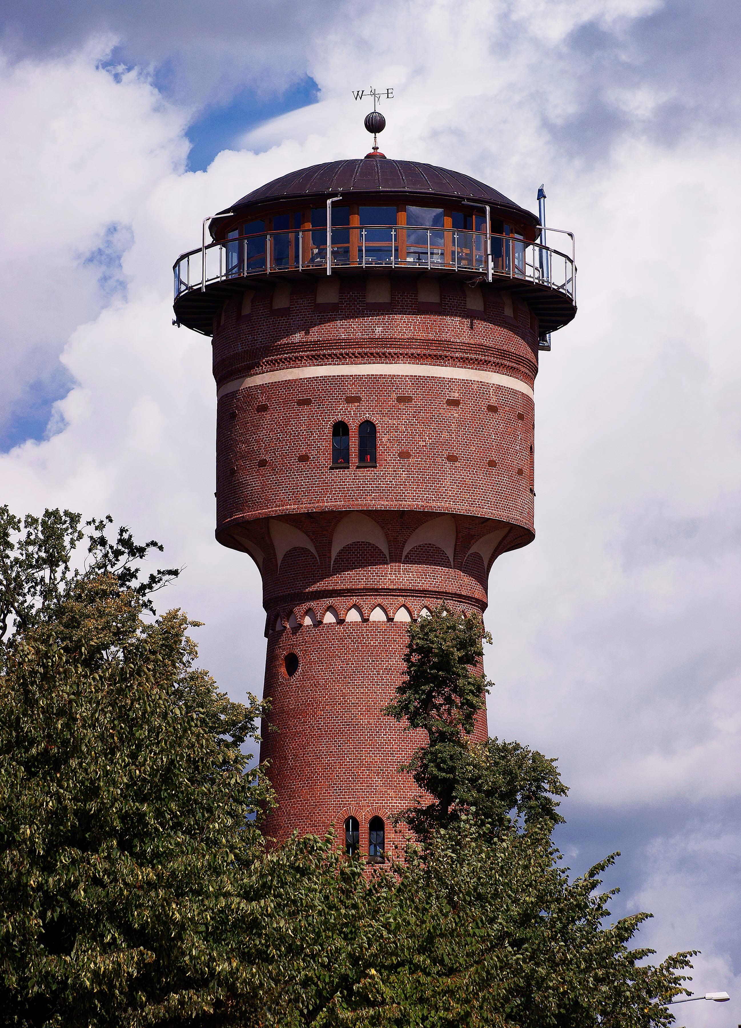 Zabytkowa wieża ciśnień