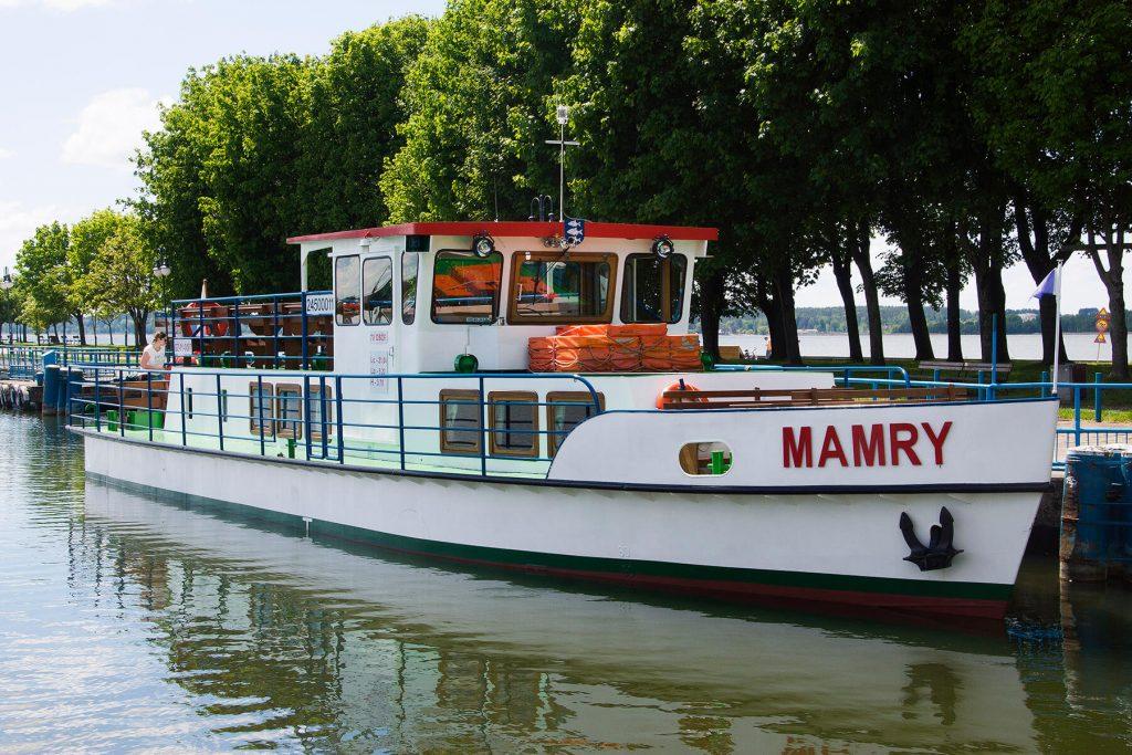 Statek Mamry w porcie Giżycko